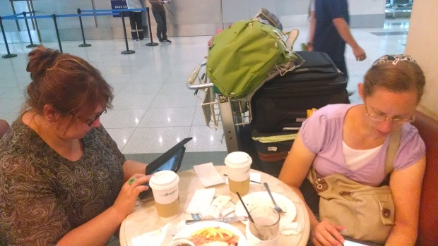 Layovers in Manila at 6 am are a great time to catch up on the internet.