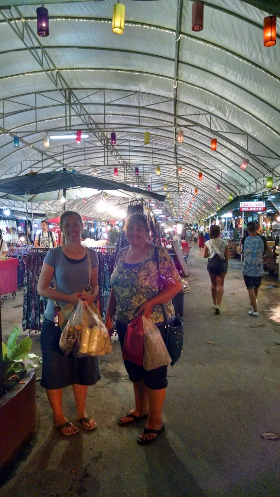 Our last night... we spent shopping at the night bazaar (of course).